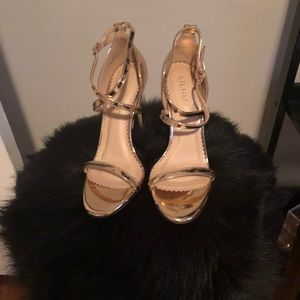 NWT rose gold strappy stiletto sandals size 7